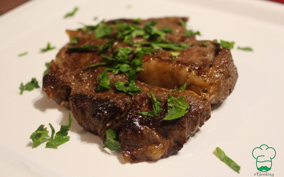 Steak de vita la tigaie (antricot fara os)